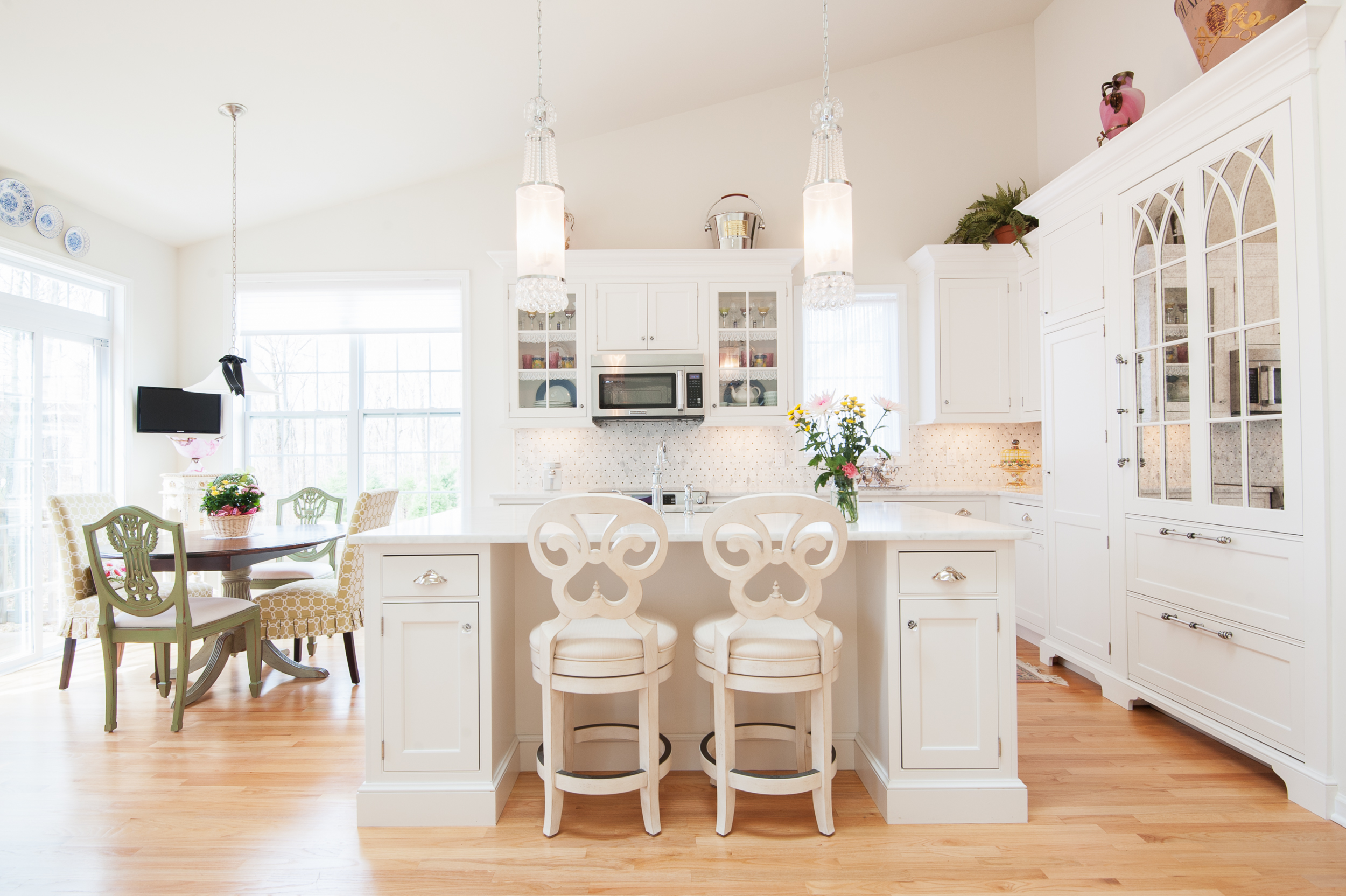 » Light and Airy Kitchen